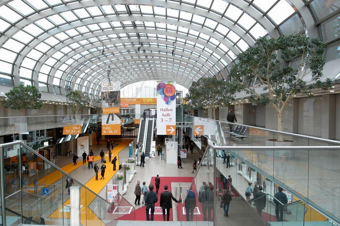 Mässan Prowein har blivit en av världens viktigaste mötesplatser för vinbranschen. Copyright: Christoph Raffelt