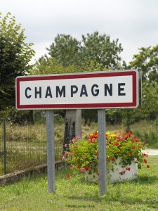 Champagne road sign 225x300