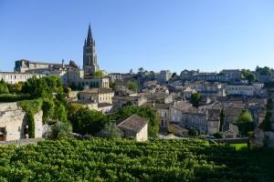 St. Émilion, medeltida vinort med världsrykte.