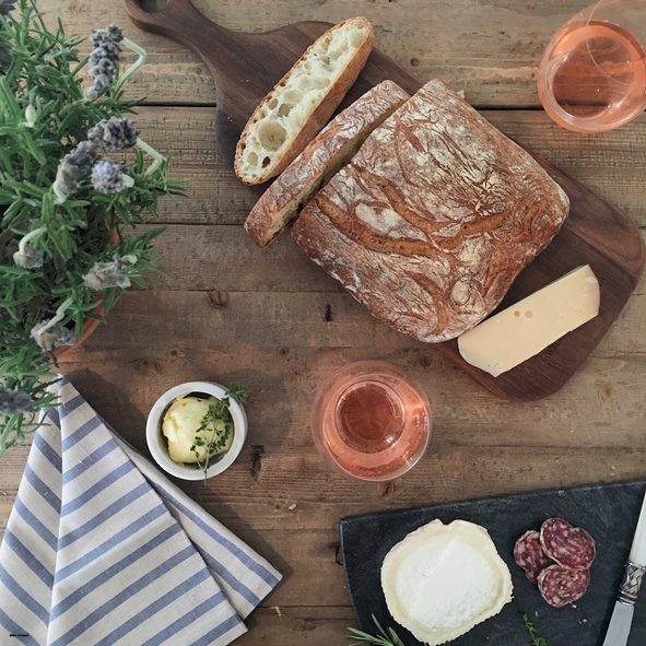 Rose wine, bread and cheese