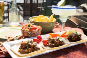 Grillad kycklingtacos och margarita