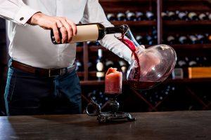 Karaffering i vinkällare