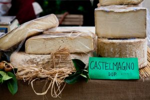 Piemont Castelmagno 800x533 300x200
